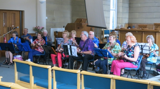 Dee Ukes performing at Fintry Church Gala Day, 27 Aug. 2016